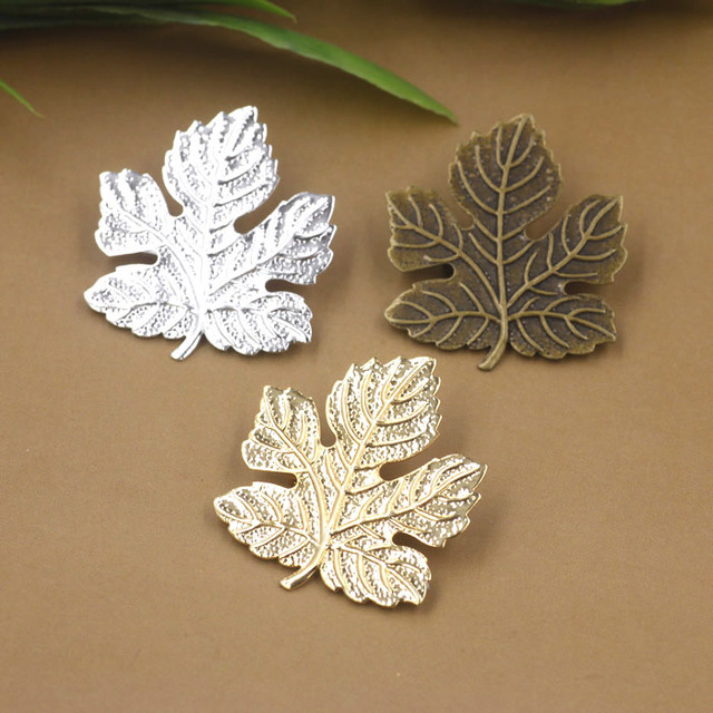 29x32mm Blank Brooch Bases Flat Vintage Maple Leaf Brooches Pins Back Settings Safety-pin DIY Findings Multi-color