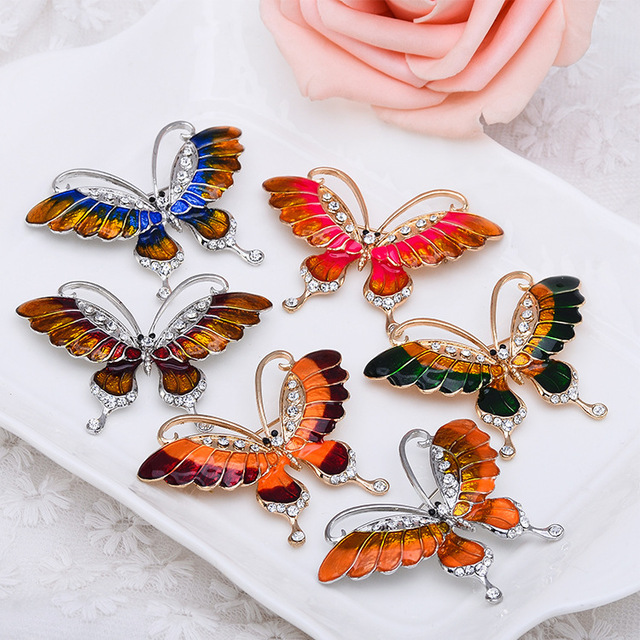 New Different colors Alloy Rhinestone Butterfly Brooch Alfileres de boda Brooches for women Pin up Wedding party dresses X1598