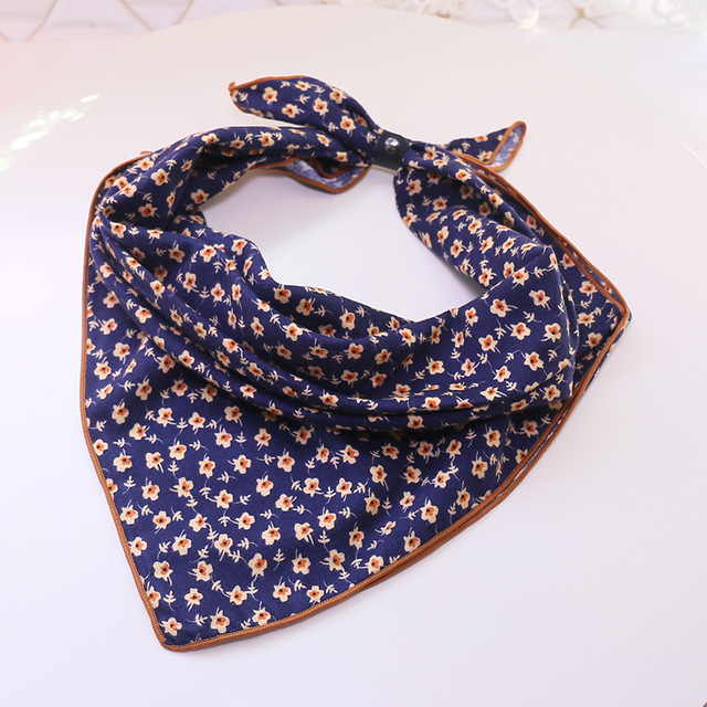 2017 Spring Small Square Silk Scarf Female Brand Flowers Printing Foulard NeckerChief Fashion Bandana Silk Scarves Lovely Girls