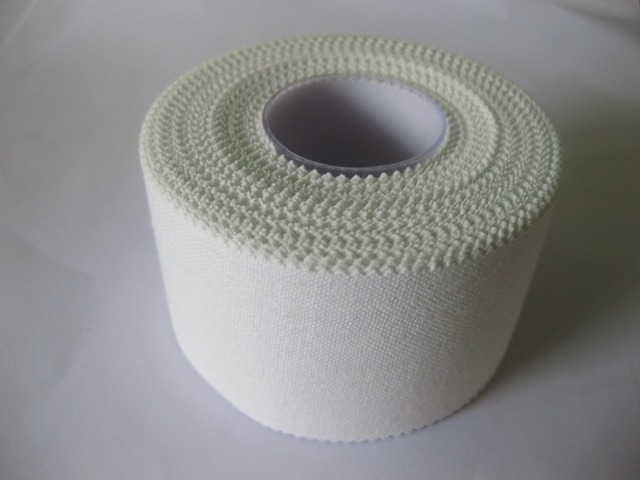 2rolls 3.8cm*10m white sports tape knee ankle bandage elastic strapping injuries tape athletic bandage sports ankle wrist injury