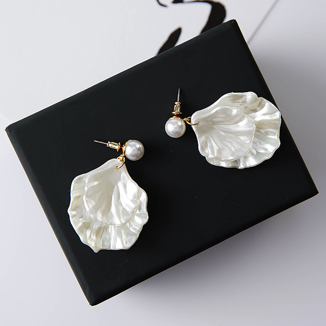 Unique Shell Simulated Pearl Pendant Stud Earrings for Women Bridal Wedding Party Multilayer Leaves Earring Birthday Gift A7301