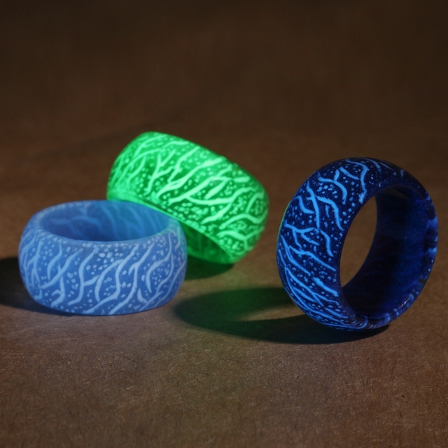Jewelry Luminous Rings Fluorescent Jewelry Trend Resin Glow In The Dark Finger Ring Band Halloween Party 1pcs