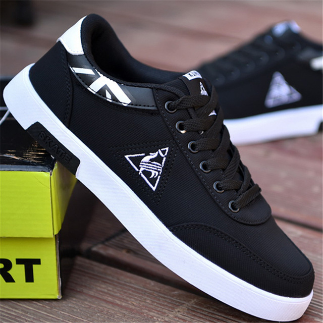 Totem Low Cut Men Canvas Casual Shoes Fashion Classics Sewing Flat Vulcanize Shoes Lace-Up Spring Autumm Breathable Boy Sneakers