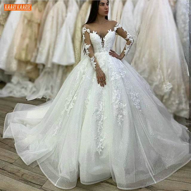 Gorgeous Arabia White Wedding Dresses Long Sleeves Appliqued Beaded Ball Gown Bridal Dress Ivory Princess Africa Wedding Gowns